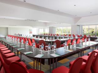 Ibis Styles Bali Benoa Hotel Bali - ibis Styles Bali Benoa - Meeting Room - Double U Style