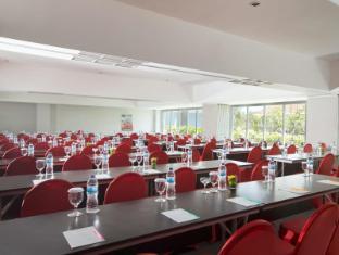 Ibis Styles Bali Benoa Hotel Bali - ibis Styles Bali Benoa - Meeting Room - Classroom Style