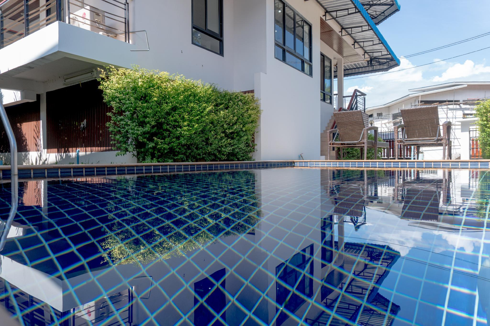 Hotel Review: Baan Smile Villa – Prices, Picture and Deals