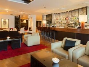 Crowne Plaza Helsinki Hotel Helsinki - Bar Code and Lounge