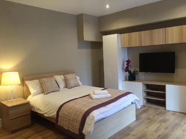 Studio 2, Large 1 bed Studio on Lower Park Row Bristol