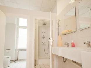 金玛丽旅馆 柏林 - 卫浴间