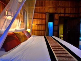 Thiwson Beach Resort Phuket - Guest Room