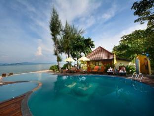 Thiwson Beach Resort Phuket - Swimming Pool