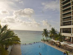 Guam Reef & Olive Spa Resort Guam - Piscina
