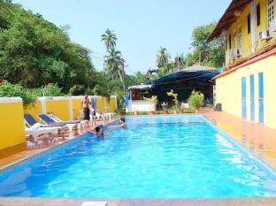 Sunflower Beach Resort Nord Goa - Svømmebasseng