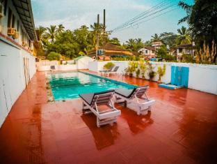 Sunflower Beach Resort Észak Goa - Uszoda