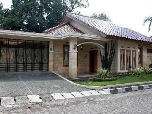 關於穆爾亞紗麗招待所 (Mulyasari Guest House Syariah)
