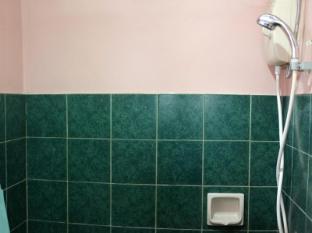 Chateau Veronica Apartelle Davao City - Bathroom