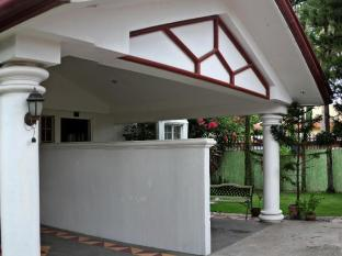 Chateau Veronica Apartelle Davao City - Exterior