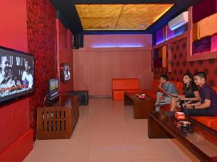The Axana Hotel Padang - Facilities
