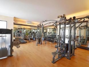 The Axana Hotel Padang - Fitness Room