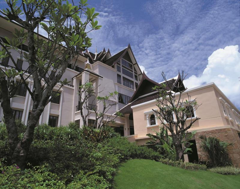 Pavilion QueenS Bay Ban Khao Klom Thailand Overview