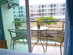 Baan Suwan Guesthouse Phuket - Balcony/Terrace
