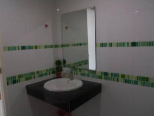Baan Suwan Guesthouse Phuket - Bathroom