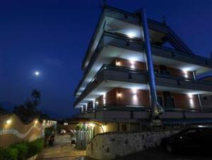 Über Nova Resort Hotel & Residence (Nova Resort Hotel & Residence)
