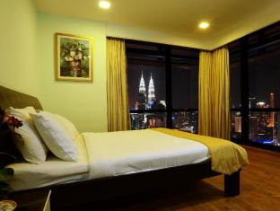 Times Service Suites at Times Square Kuala Lumpur - 2  Room Family Suite (Master Room -KLCC View)