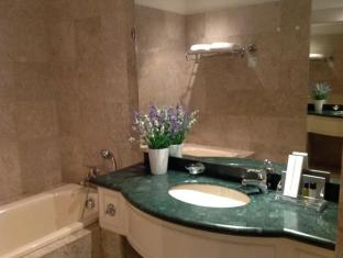 Times Service Suites at Times Square Kuala Lumpur - Bathroom