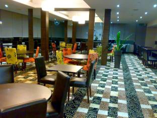 Kingwood Inn Kuching קוצ'ינג - בית קפה