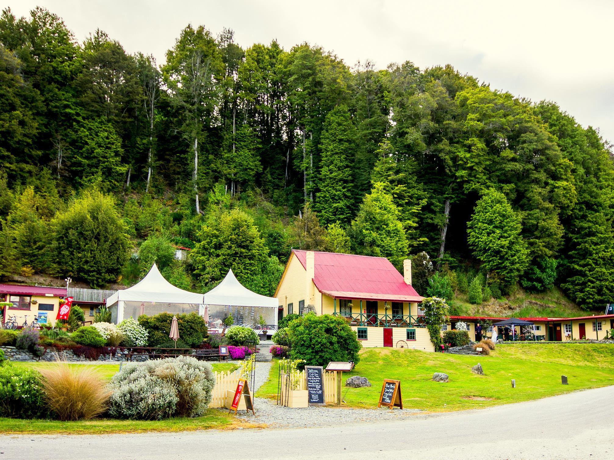 Kinloch Lodge   YHA Glenorchy