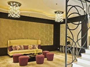 The Exchange Regency Residence Hotel Manila - Vestíbul