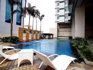 The Exchange Regency Residence Hotel Manila - Piscina