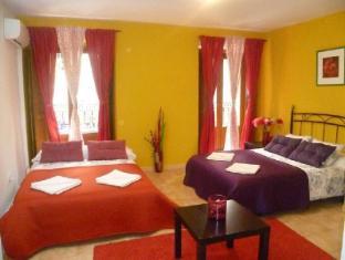 Village Chueca Apartments