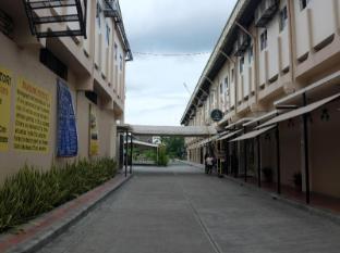 Homitori Dormitel Давао - Фасада на хотела