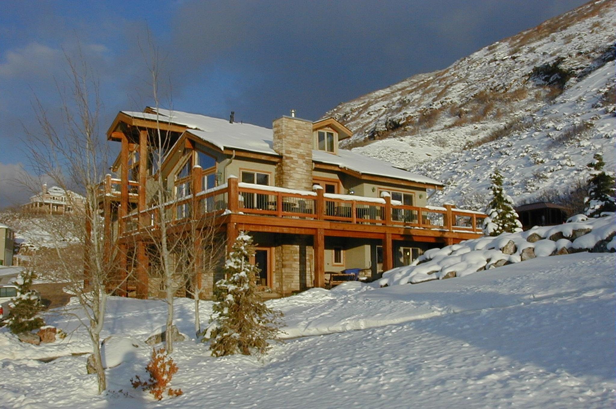 Five Bedroom Vacation Home Near Cottonwood Canyon
