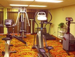 Holiday Inn Saddle Brook Hotel Jersey City (NJ) - Fitness Room