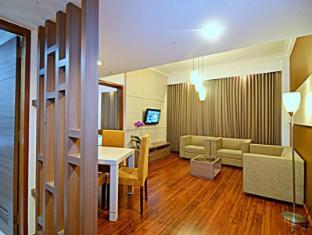 Inna Simpang Surabaya Surabaya - Suite Room