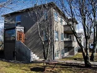 /sv-se/igdlo-guesthouse/hotel/reykjavik-is.html?asq=5VS4rPxIcpCoBEKGzfKvtE3U12NCtIguGg1udxEzJ7keqCYRqLR%2bUoWcrdzs8Mus2Mw0vGk2ufPhLHBa0Ko12pwRwxc6mmrXcYNM8lsQlbU%3d