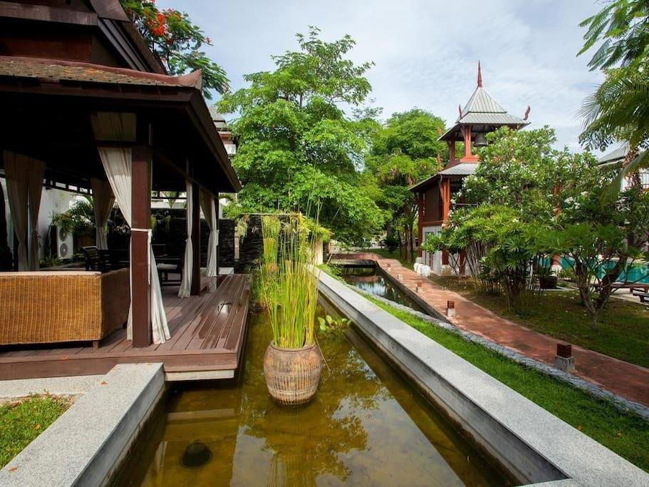 Nagawana Villa sleeps 11 people in Pattaya by HVT Reviews