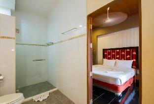 %name Pratumnak 10 Bedroom Villa Sleeps 20 in Pattaya พัทยา