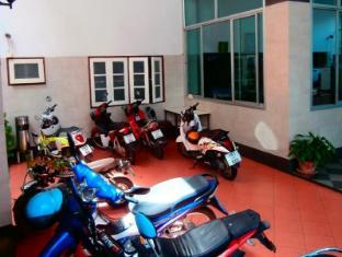 Seabreeze Mansion Phuket - Parking lot (motorbike)
