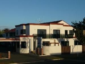 Ulster Lodge Motel