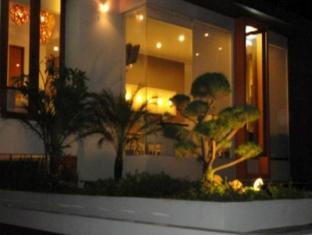 Farila Guesthouse 2 Surabaya - Exterior