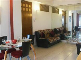 Ashgrove Apartments Wellawatta - Living Room