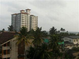 Ashgrove Apartments Wellawatta - View