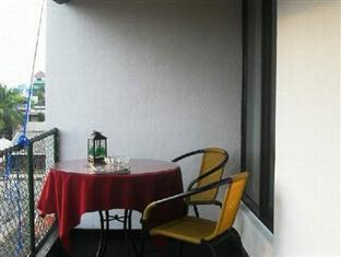 Ashgrove Apartments Wellawatta - Balcony