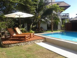 Panglao Palms Apartelle Panglao Island - Bể bơi