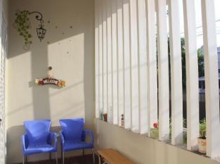 IKIRU to live Hotel Surabaya - Balcony/Terrace
