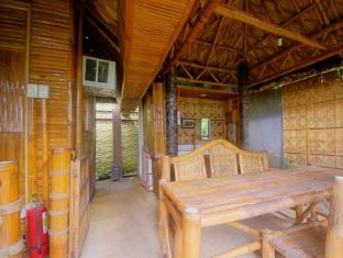 Samal Island Huts Davao City - Balkon/Teras