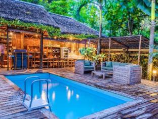 Samal Island Huts Davao City - Yüzme havuzu