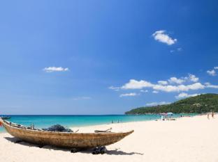 Moevenpick Villas & Spa Karon Beach Phuket Phūketa - Pludmale