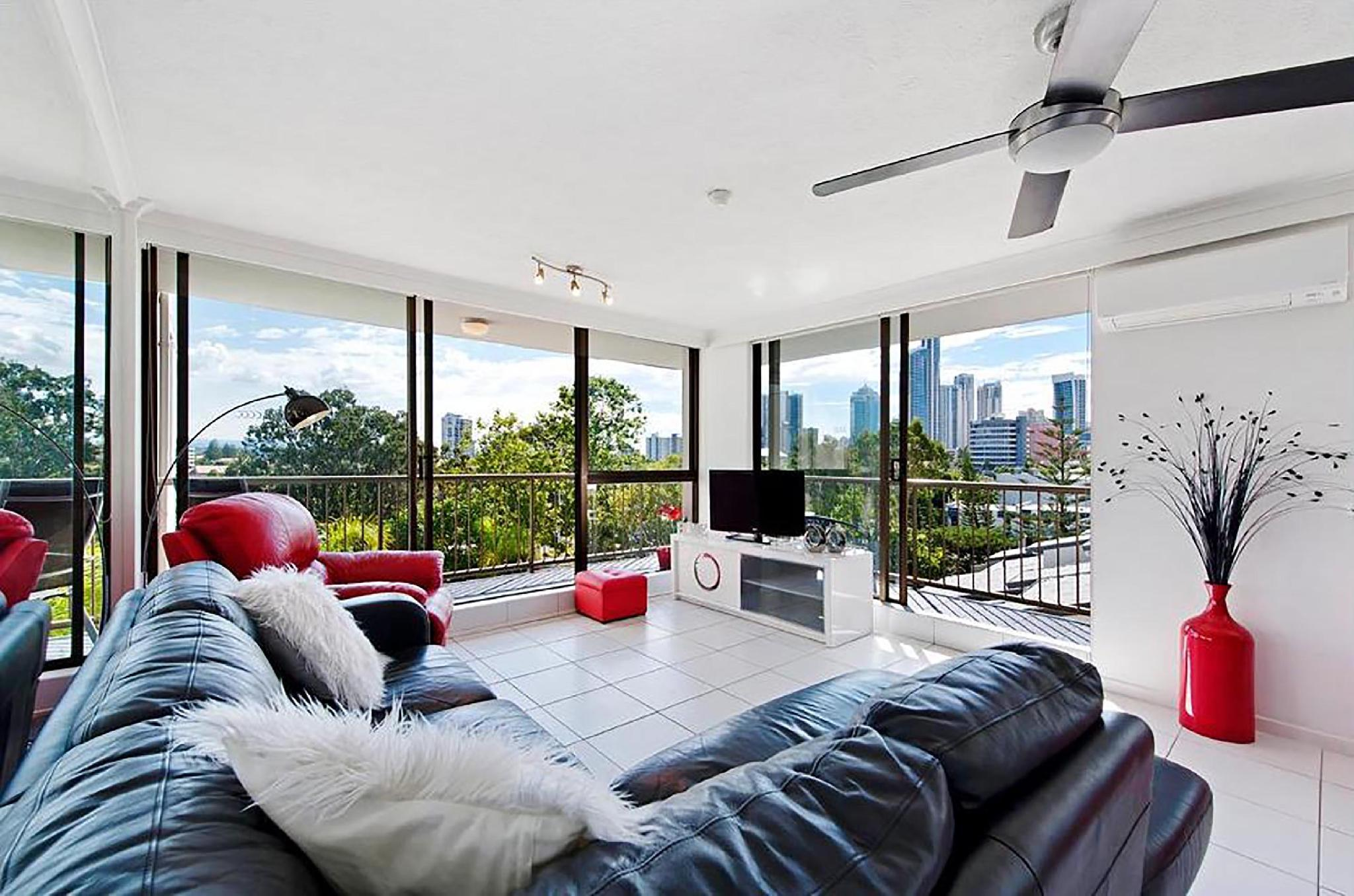 Holiday Resort Apartments In Surfers Paradise