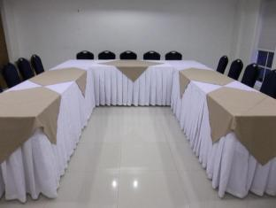 Hotel Vicente Davao City - Meeting Room