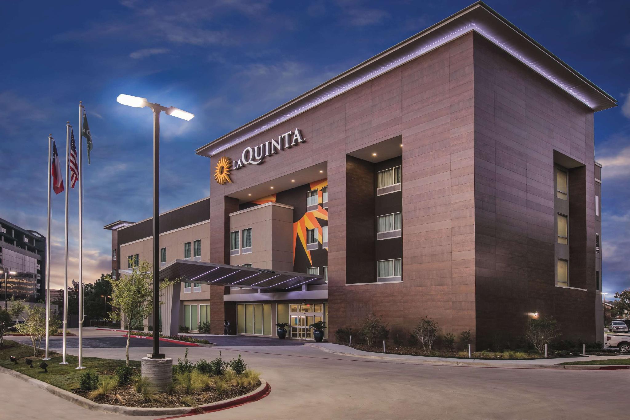 La Quinta Inn And Suites By Wyndham Dallas   Richardson