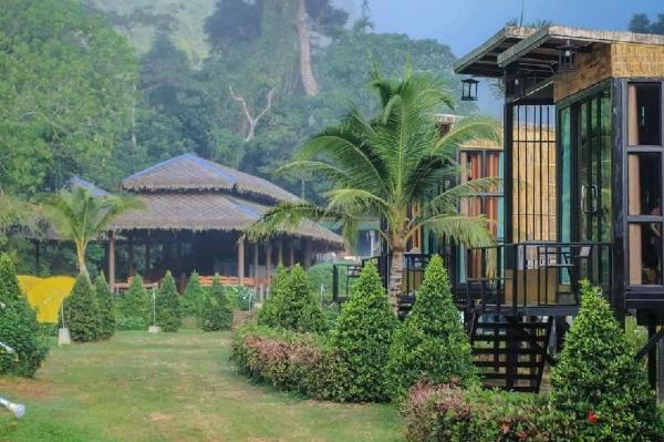 Cheiwlan Camp & Resort Surat Thani