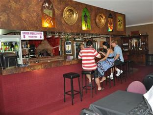 Castle Motor Lodge Whitsunday Islands - Bar